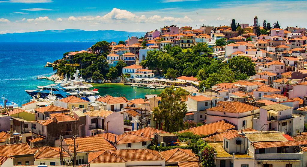 Skiathos Town (the capital) - VacanzeGreche