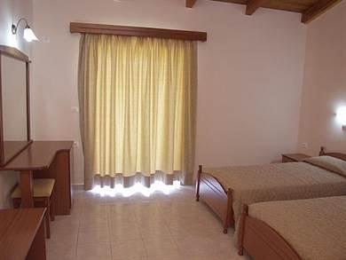 Pelouzo Hotel