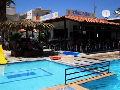 Peters Kool Pool Studios and Apartments