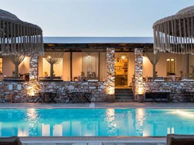 Parosland Bungalows & Hotel