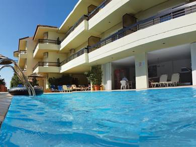 Caravel Apartment Hotel, Ixia