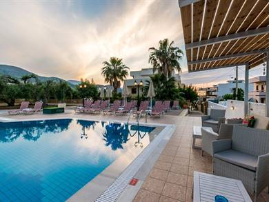 Newcastle Apartments Malia Creta