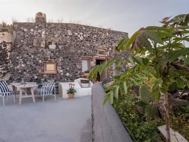 Lagadi Suites Mesaria Santorini