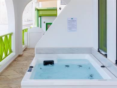 Adamis Majesty Suites Fira Santorini