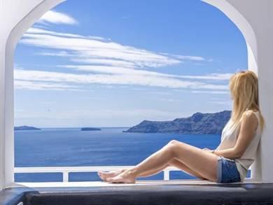 White Pearl Villas Oia Santorini