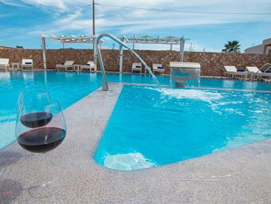 Odysseas Hotel Perivolos Santorini