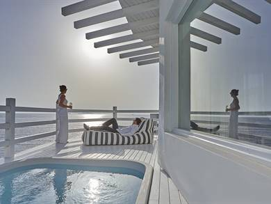 Notos Therme and Spa Vlychada Santorini
