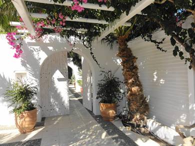 Meltemi Village Hotel Perissa Santorini