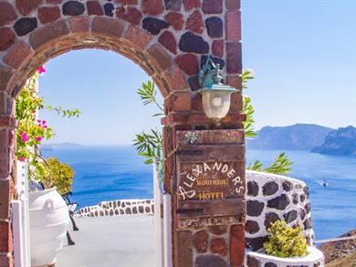 Alexander's Boutique Hotel Oia Santorini