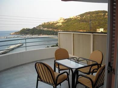 Harbour View Studios & Apartments