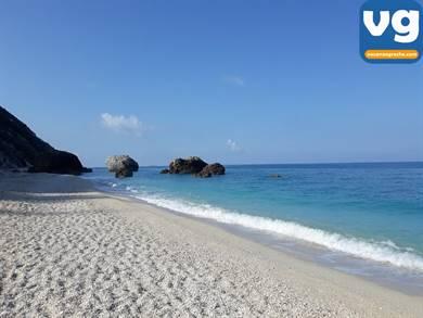 Spiaggia di Megali Petra
