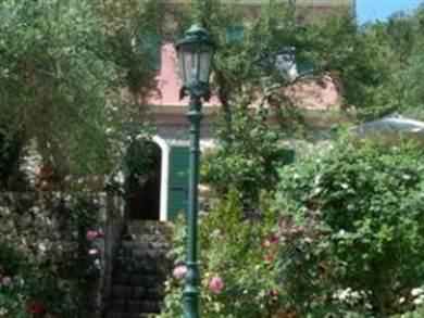 Riza Stone cottage
