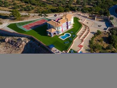 Villa Paramithia